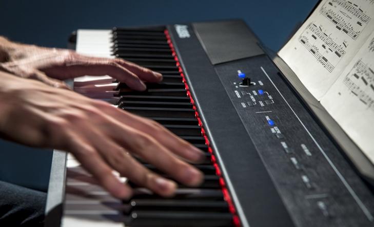 test piano numérique alesis recital