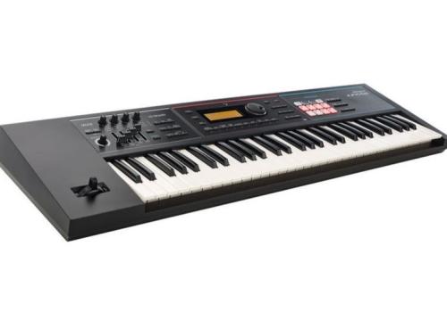 Modèle Roland Juno DS 61