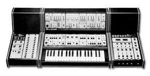 Synthétiseur Roland System-100
